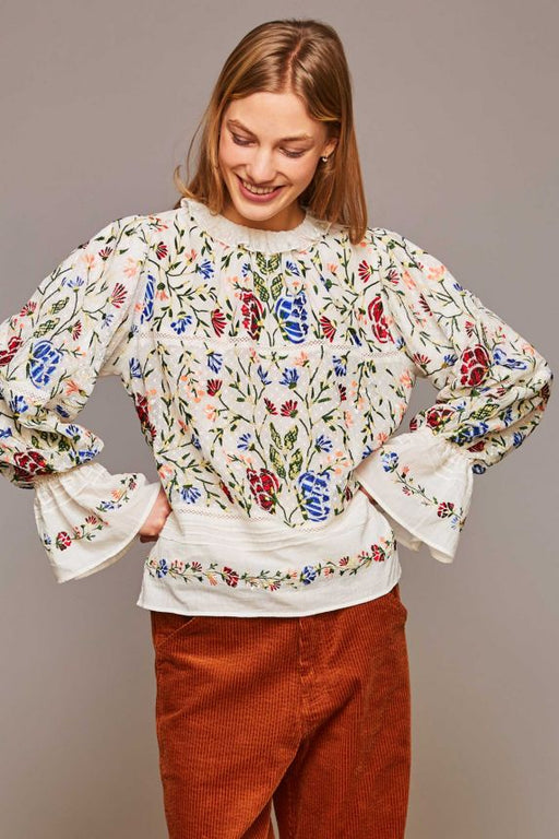 EMBROIDERED FALLY BLOUSE
