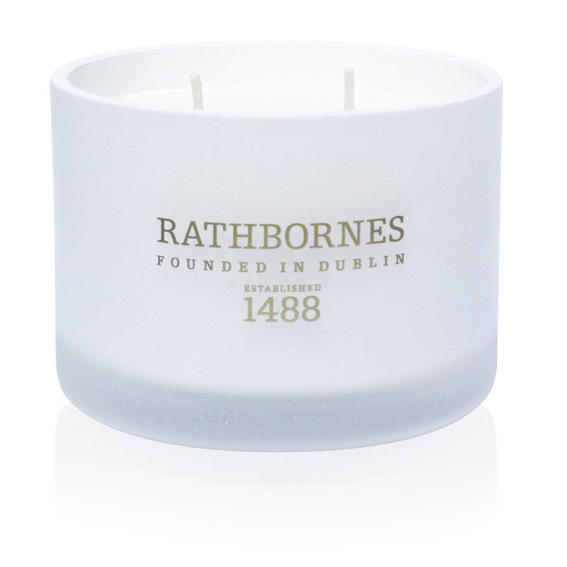 White Pepper, Honeysuckle & Vertivert Scented Classic Candle