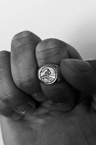 Sue_The_Boy_The_Great_Wave_Mens_Silver_Ring