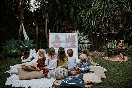 HOW TO HOST A MAGICAL OUTDOOR MOVIE NIGHT FOR KIDS