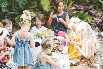 HOST A MAGICAL KIDS XMAS PARTY