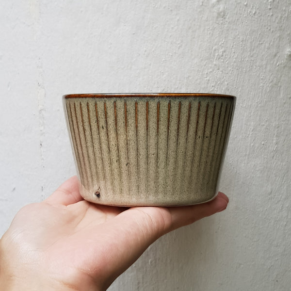Ceramic Bowl with stripe pattern