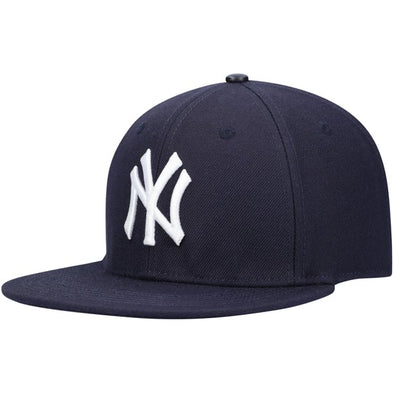 Pro Standard New York Yankees Snap Back