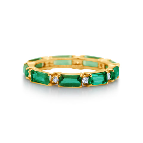 Emerald & Diamond Ring in 18k Yellow Gold