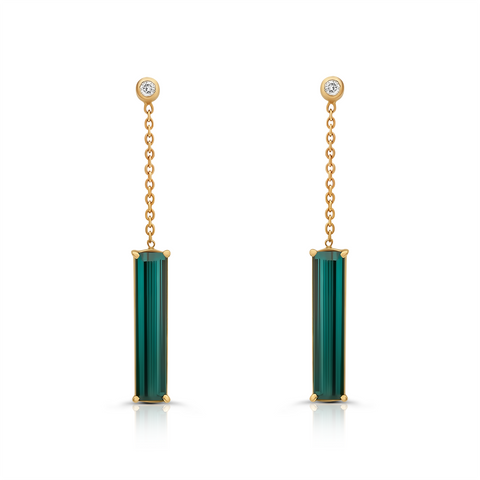 Green Tourmaline & Diamond. Earring in 18K Yellow Gold