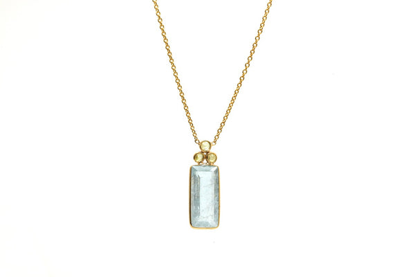 18K Yellow Gold Necklace With Aquamarine and Champagne Diamond