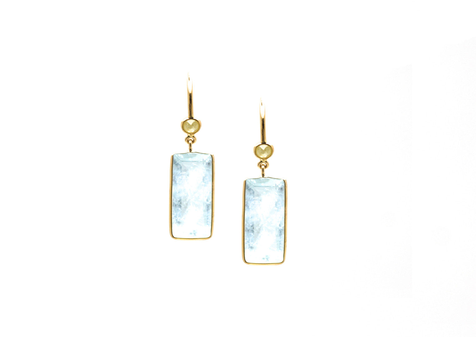 18K Yellow Gold Earring With Aquamarine and Champagne Diamond