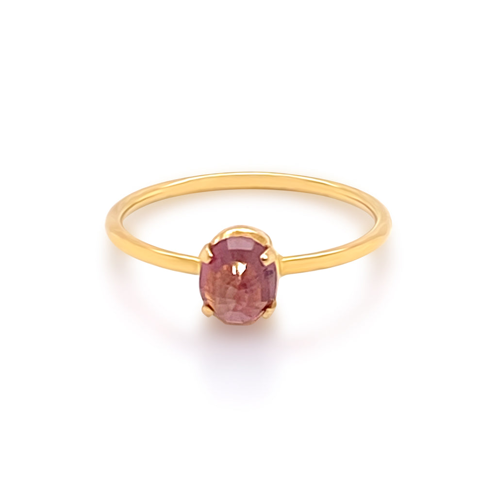 Pink Tourmaline Oval Ring in 18K Yellow Gold