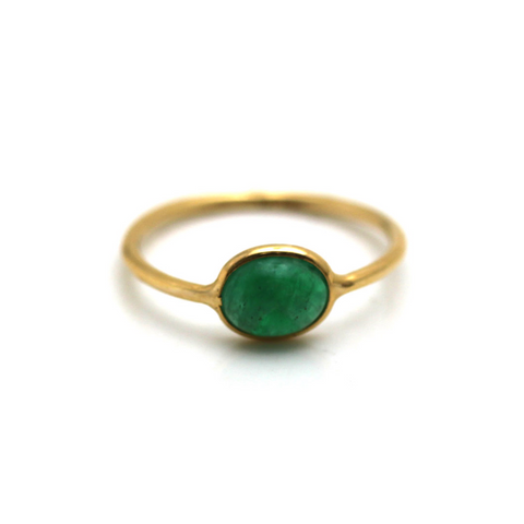 Emerald Oval Ring in 18k Yellow Gold