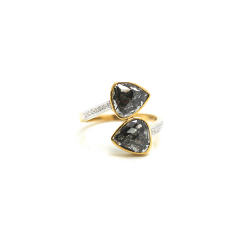 Black rose cut diamond with round brilliant diamond ring in 18k YG