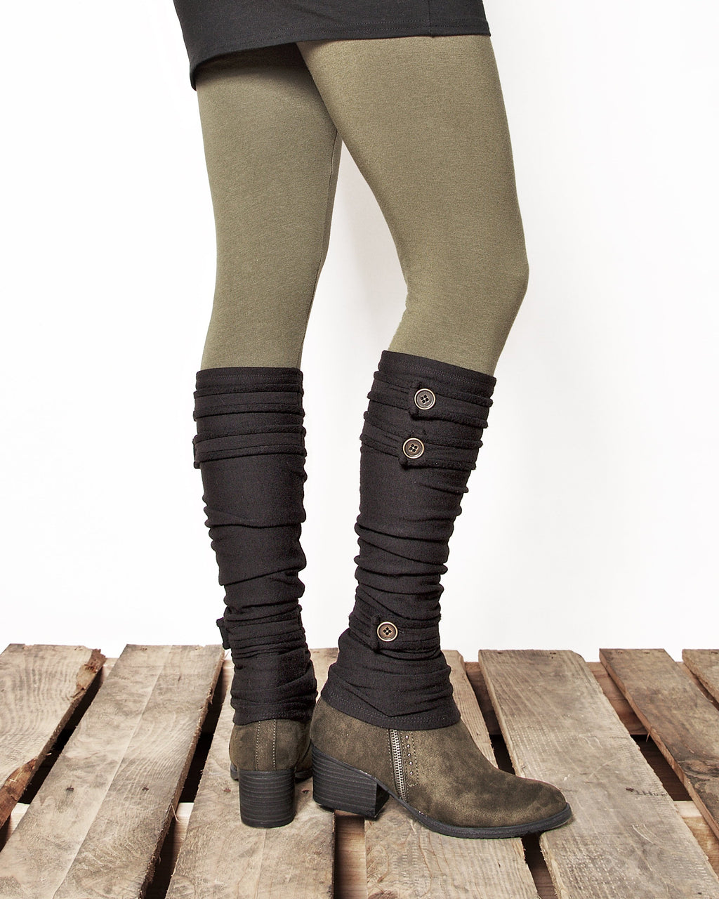 Dreaming Amelia black bamboo fleece leg warmers