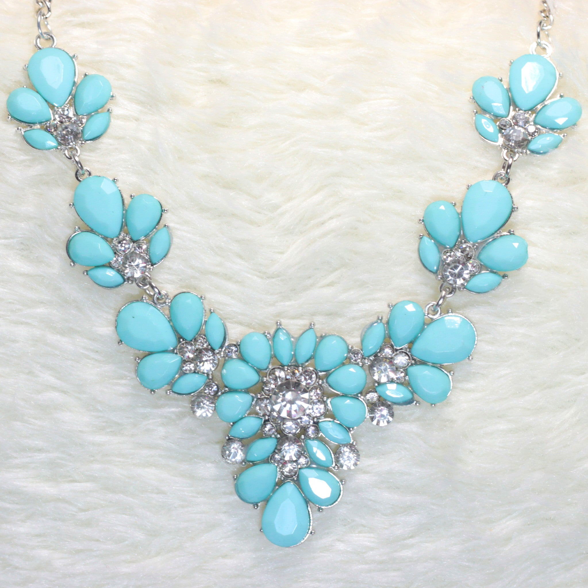 Ivy Blue Flower Fashion Necklace - Micha Store  - 1