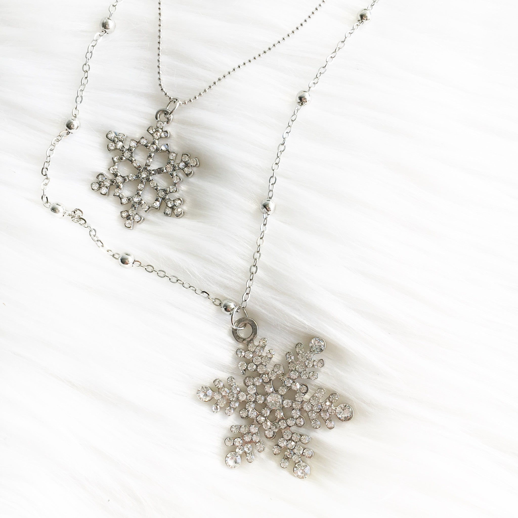 Odette Snowflakes Statement Necklace - Micha Store - 1