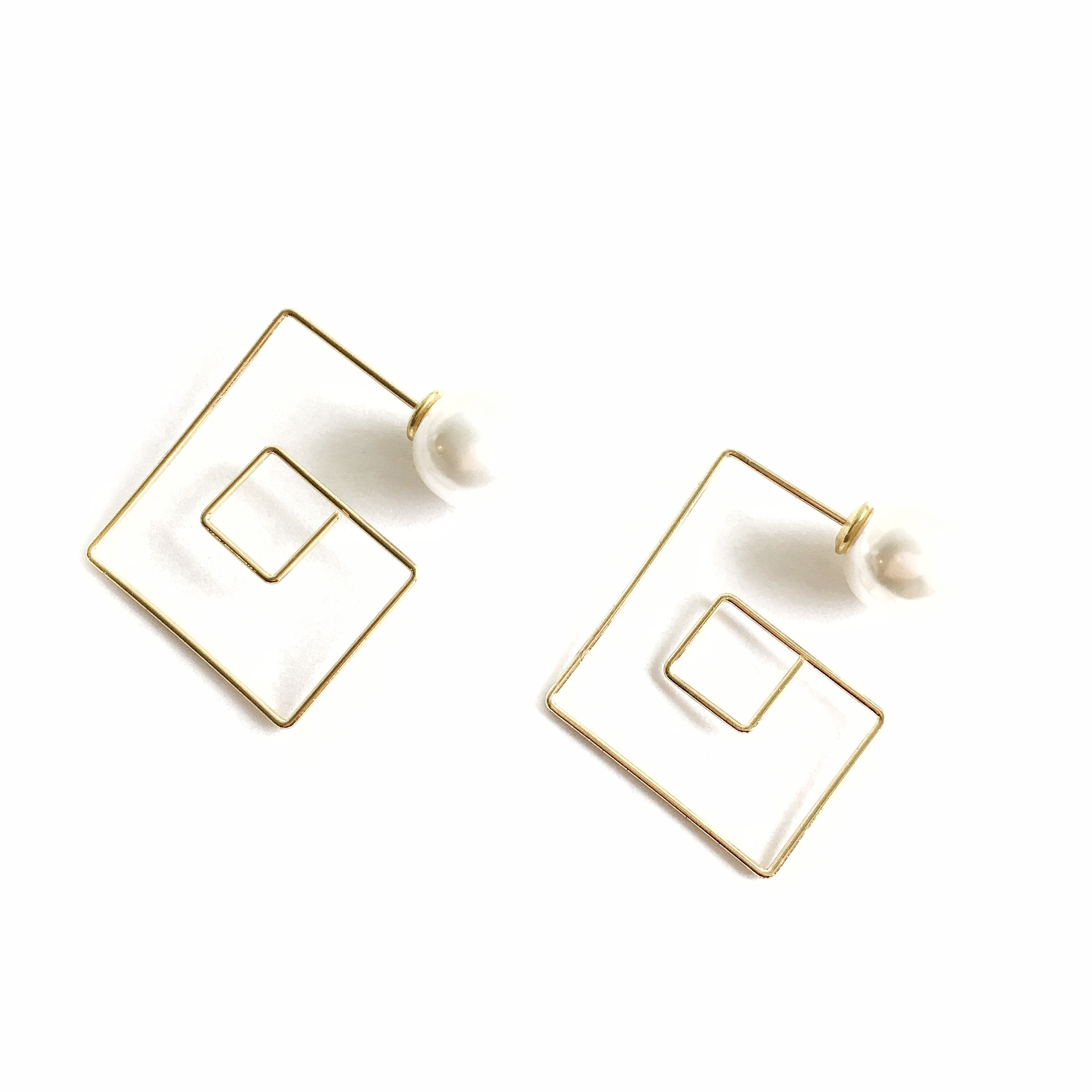 Spirenna Square Pearl Gold Dangling Earrings