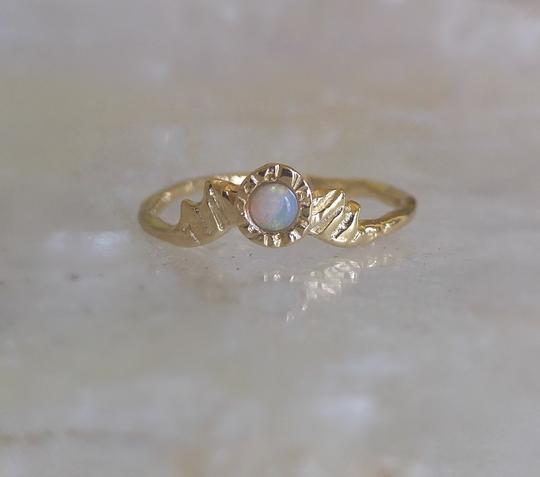 Star Radiance Ring - Opal