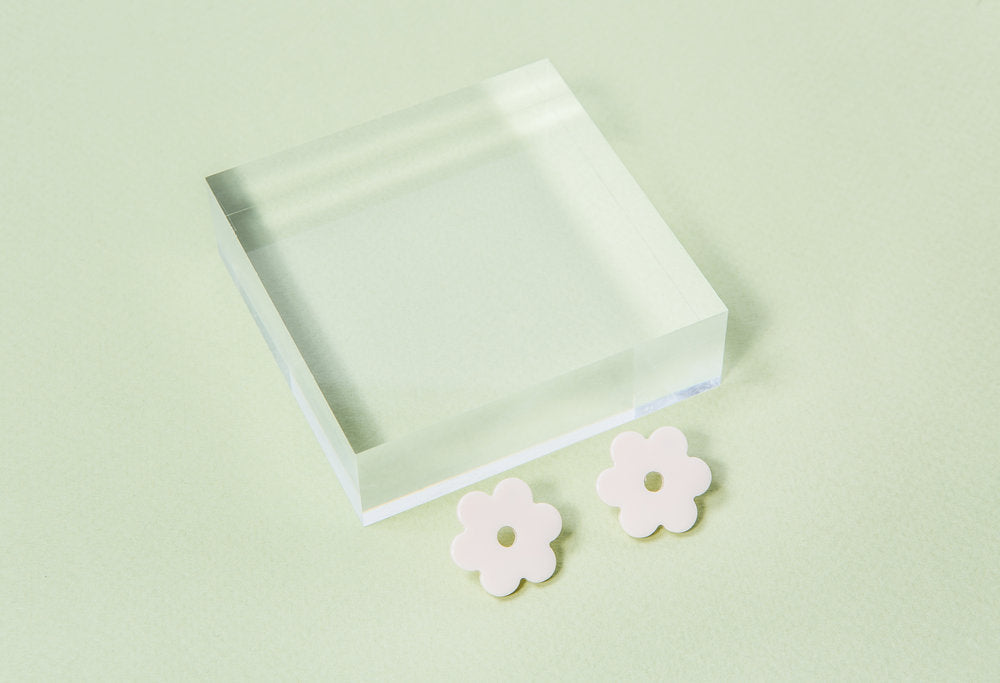 Small Ivory Acetate Daisy Earrings