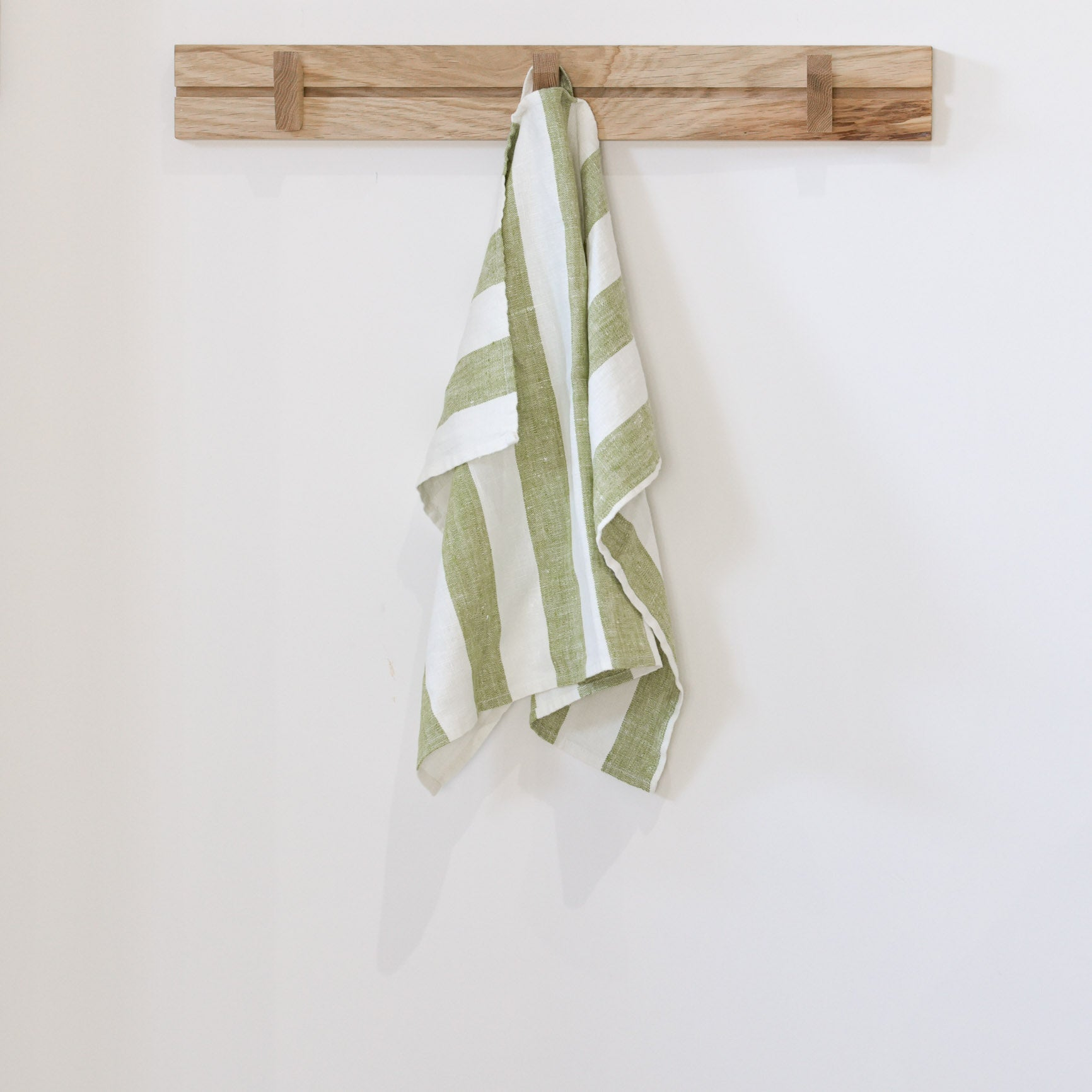 PHILIPPE European Linen Hand Towel 47x65 Olive Green