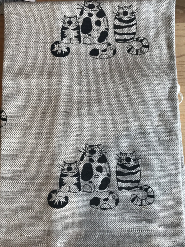 Teatowel Natural Linen/Cotton with Cat Family