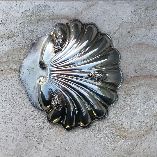 Vintage English Sheffield Silver Plated Shell - Eye Heart Curated