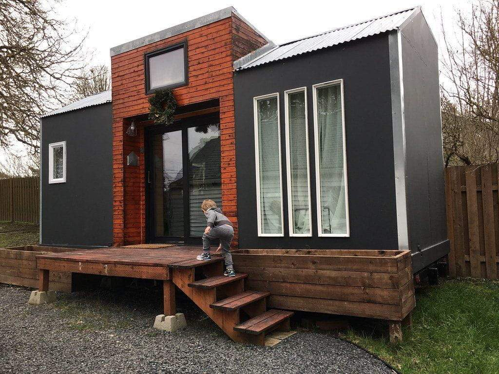 The Ultimate Off-Grid Tiny House Guide