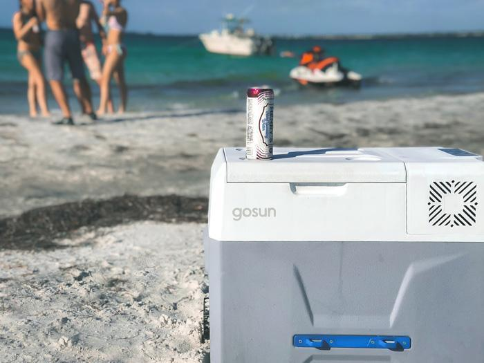 How Do You Optimize a Solar-Battery-Powered Cooler? Pair It With a Solar Table