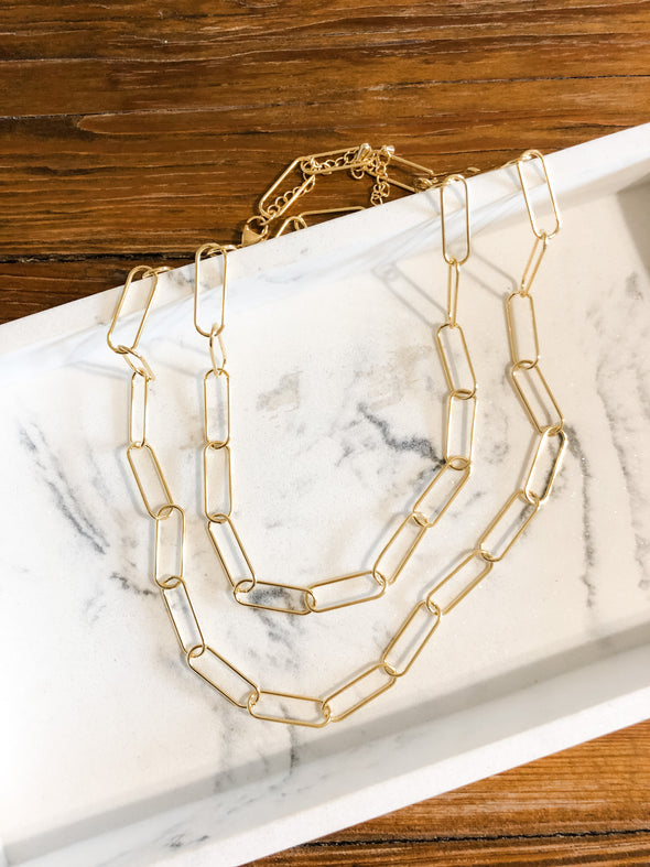 Modern Eleven Large Paperclip Chain Necklace in Gold
