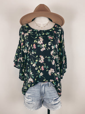 Floral Printed Ruffle Sleeve Top in Black