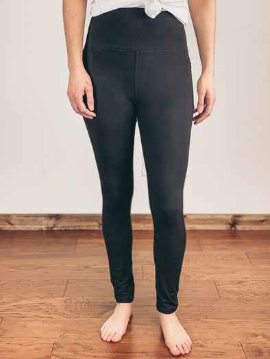 High Rise Pocket Leggings in Black