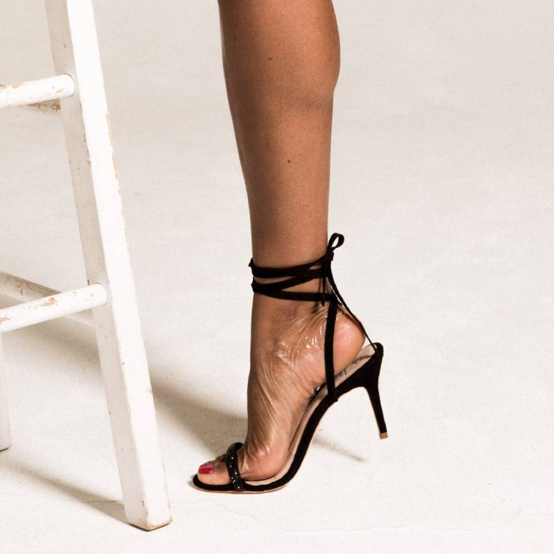 IYLIA COCO LOW HEELED SANDALS IN NOIR