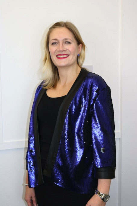 A magic two-way sequin jacket