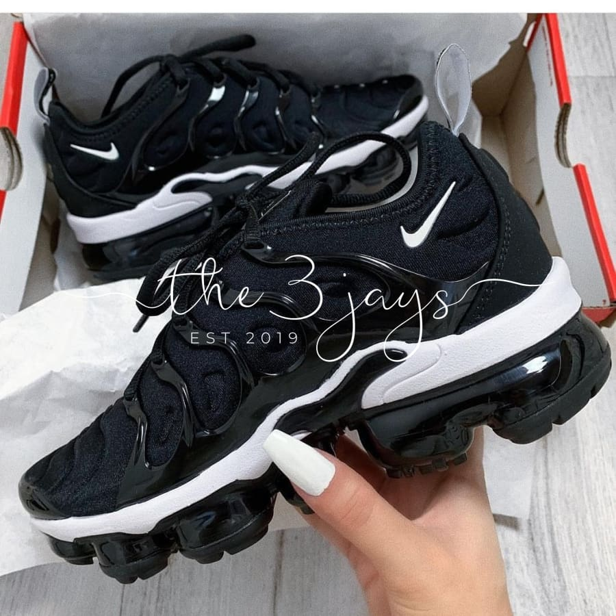 donde quiera estanque Extremo  New Style Nike Air VaporMax Plus TN Black Red Sneakers