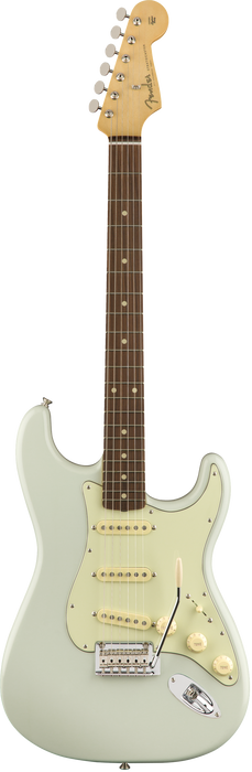 Fender Classic Player Series 60's Stratocaster Pau Ferro Fingerboard Sonic Blue With Deluxe Gig Bag