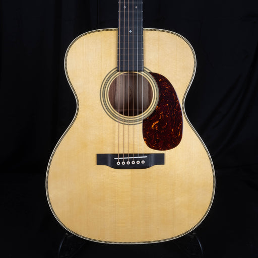 Martin Custom Shop 000 Size 28 Style Guatemalan Rosewood with Engelmann Spruce Top