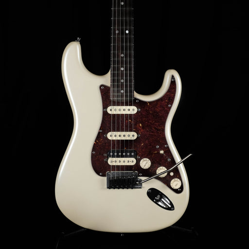 Pre Owned '14 Fender American Deluxe Stratocaster HSS Olympic Pearl Electric Guitar OHSC