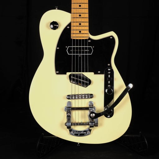 Pre Owned Reverend Buckshot White with Bigsby Electric Guitar With HSC