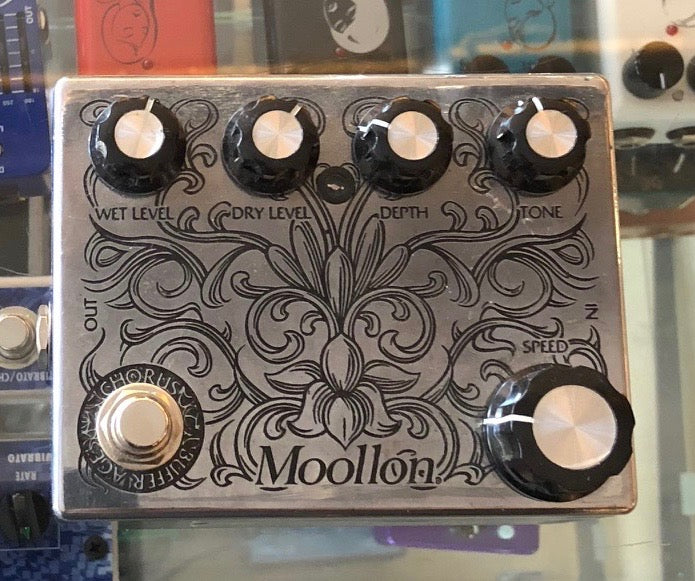 Used Moollon Chorus Guitar Effect Pedal