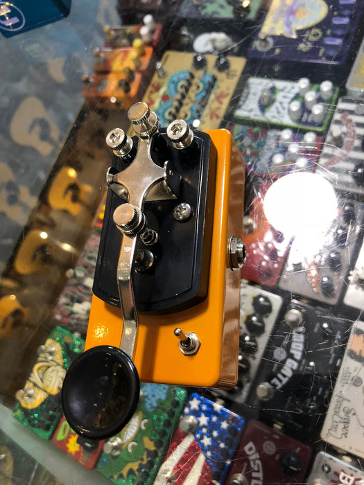 Coppersound Pedals Telegraph Stutter Momentary Silent Switch w/ Polarity Switch Guitar Pedal Orange