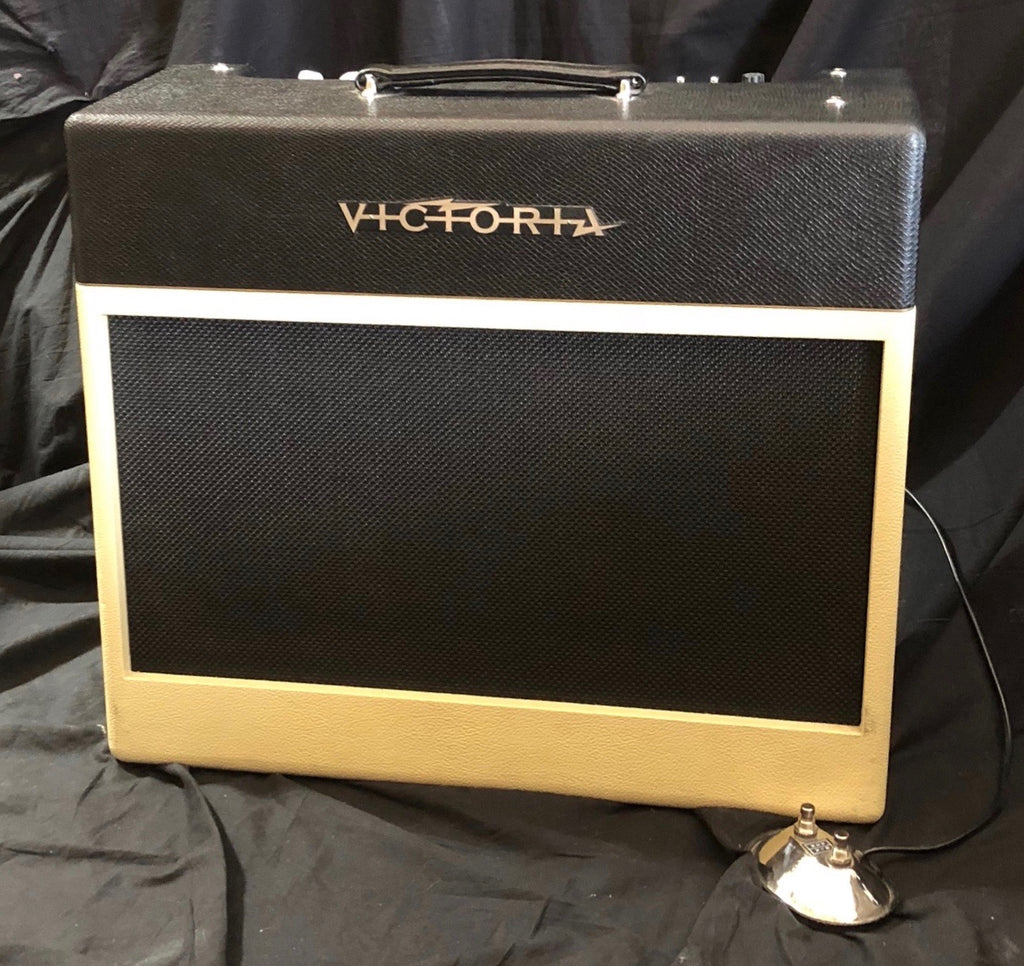 Victoria Silver Sonic 20 Watt 1x12 6V6 Tube Guitar Amplifier Combo Demo Model