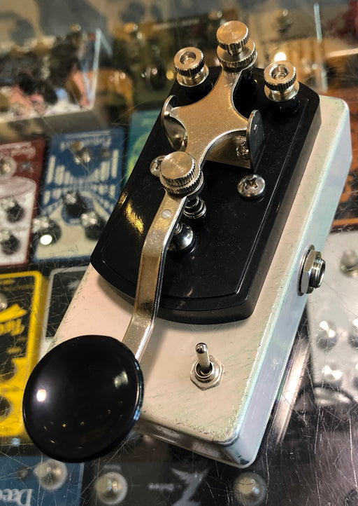 Coppersound Pedals Telegraph Stutter Momentary Silent Switch w/ Polarity Switch Guitar Pedal Relic'd Pink