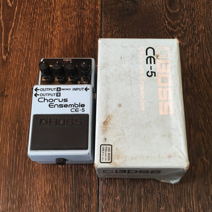 Used Boss CE-5 Chorus Ensemble Guitar Effect Pedal With Box