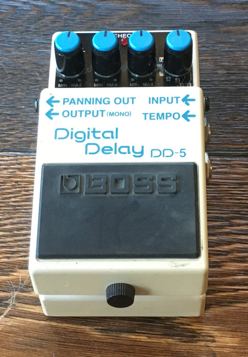 Used Boss DD-5 Digital Delay Guitar Effect Pedal