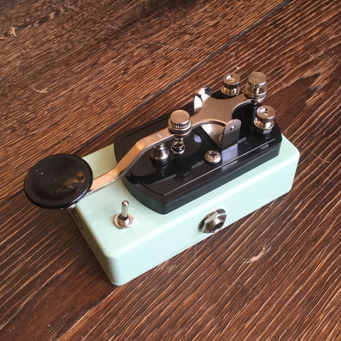 Coppersound Pedals Telegraph Stutter Momentary Silent Switch w/ Polarity Switch Guitar Pedal Surf Green