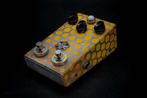 BeetronicsFX Limited Edition Octahive Super High Gain Fuzz High Octave Dual Footswitch Yellow