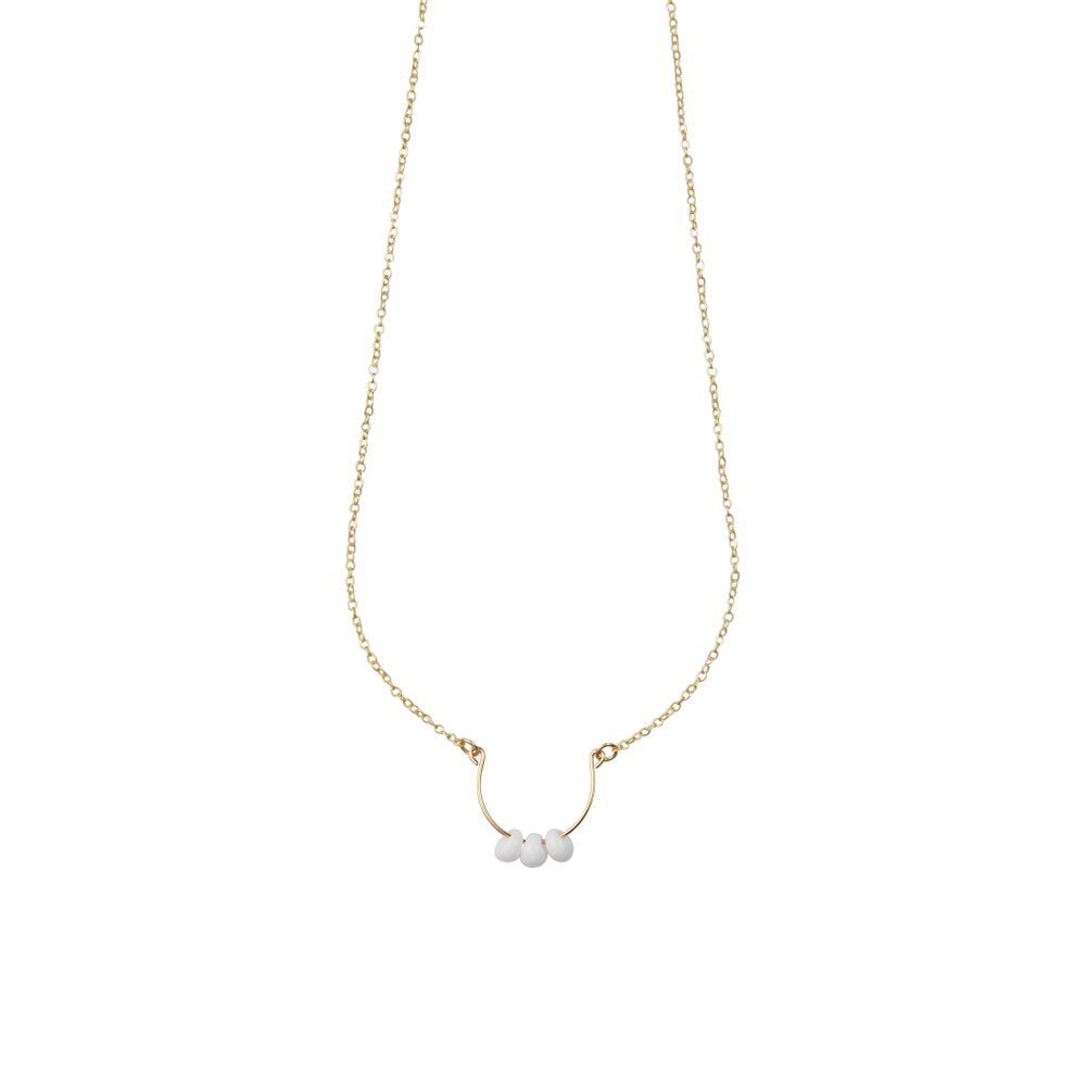 White Bead Short Necklace