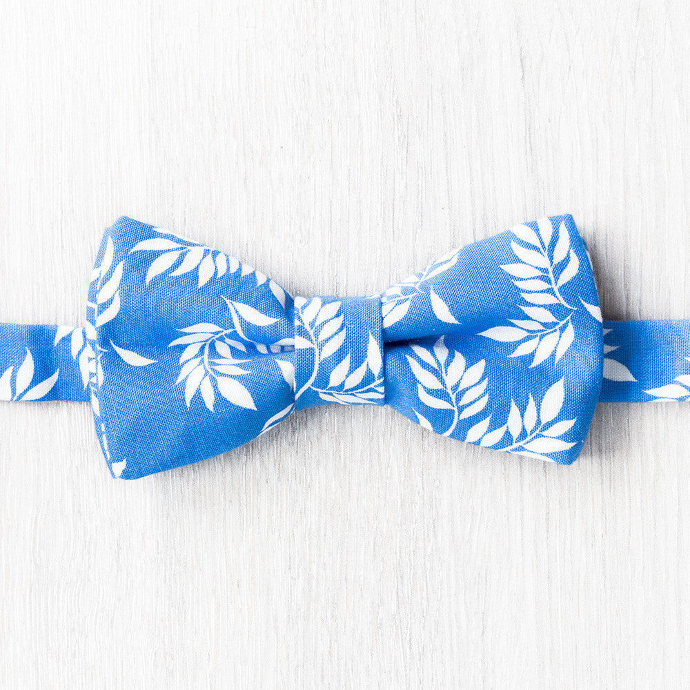 Vegetal Blue Bow Tie