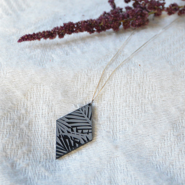 Black Losange Vegetal Print Necklace