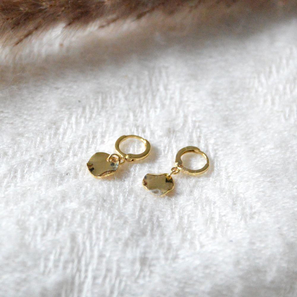 Irregular Disk Short Earrings