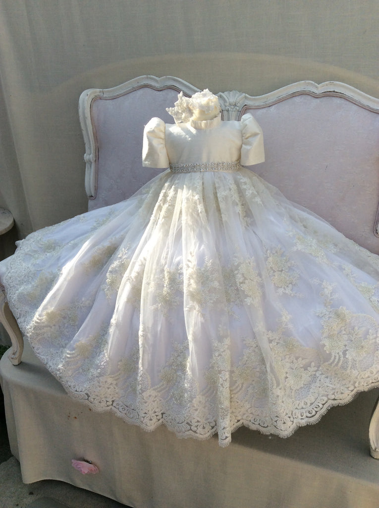 Christening Gown with Bonnet - Victoria