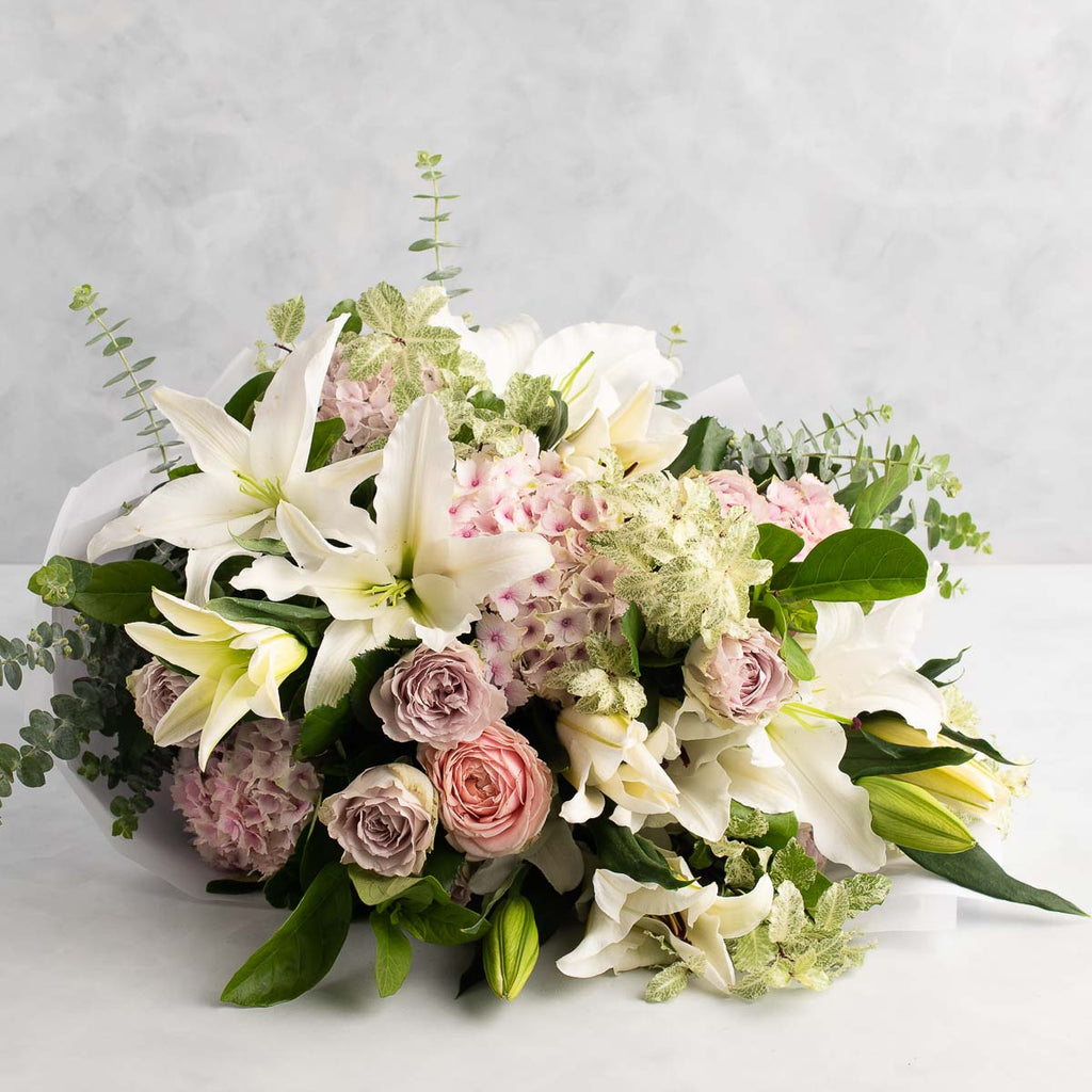 SIGNATURE BOUQUET