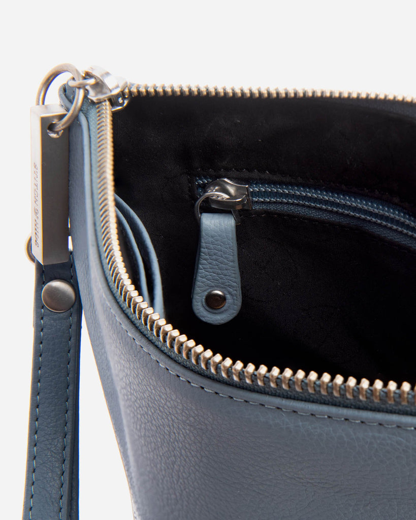 STITCH & HIDE: Cassie Clutch - Navy